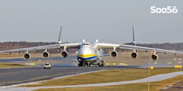 世界最大运输机落户中国